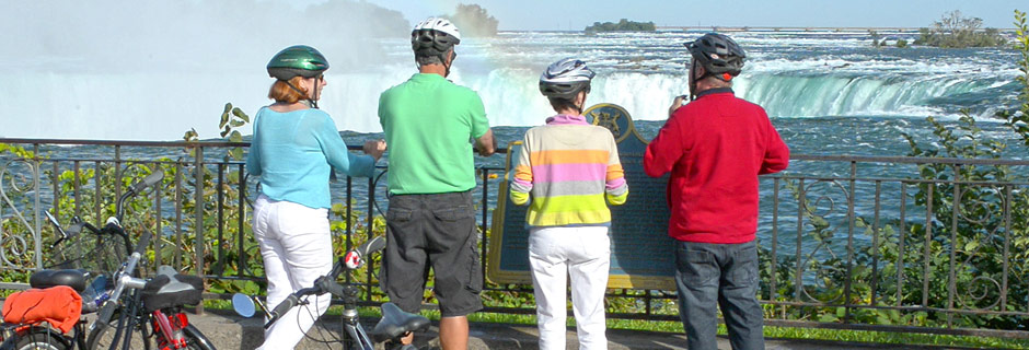 Cyclists at Niagara Falls